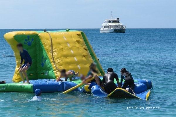 ケアンズ フランクランド諸島クルーズ 水遊び