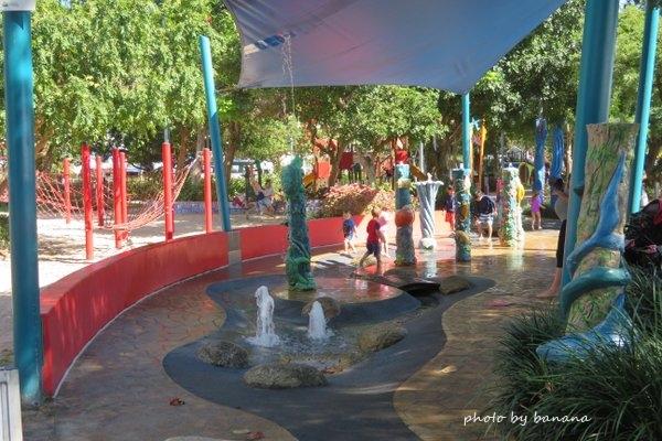 ケアンズ マーディーズ公園 水遊び 子供
