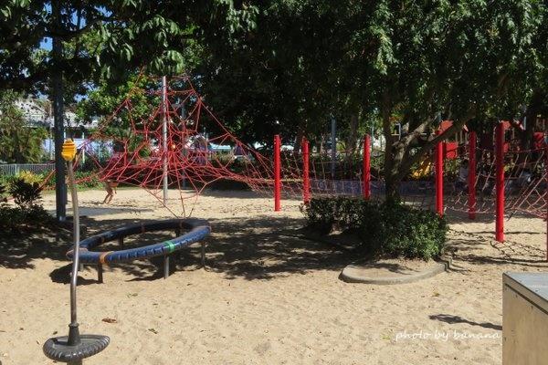 ケアンズ マディーズプレイグラウンド 子供用の公園 遊具