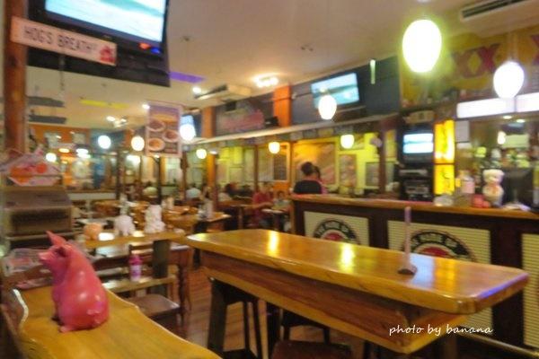 ホッグス・ブレス・カフェ Hog's breath Cafe ケアンズ Cairns
