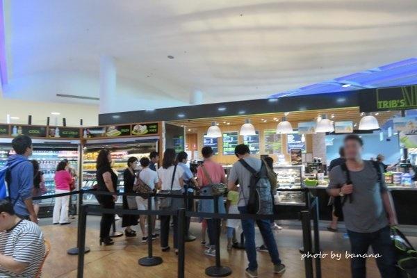 ケアンズ空港 国際線出発ターミナル カフェ cairns airport international cafe